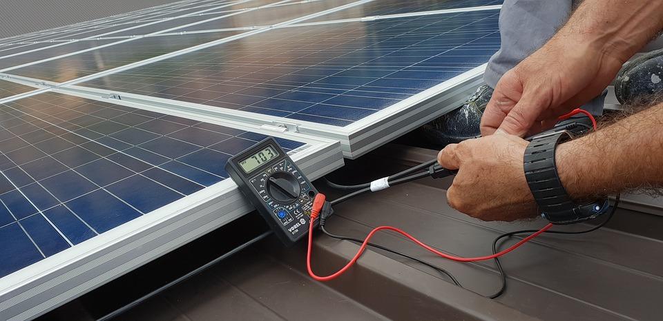 Обслуживание солнечных батарей